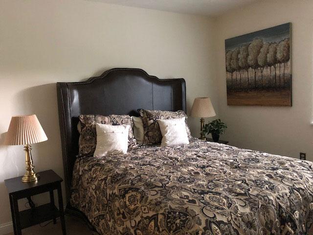 Bedroom-Apartment-Elderly-Care-Living-Safe